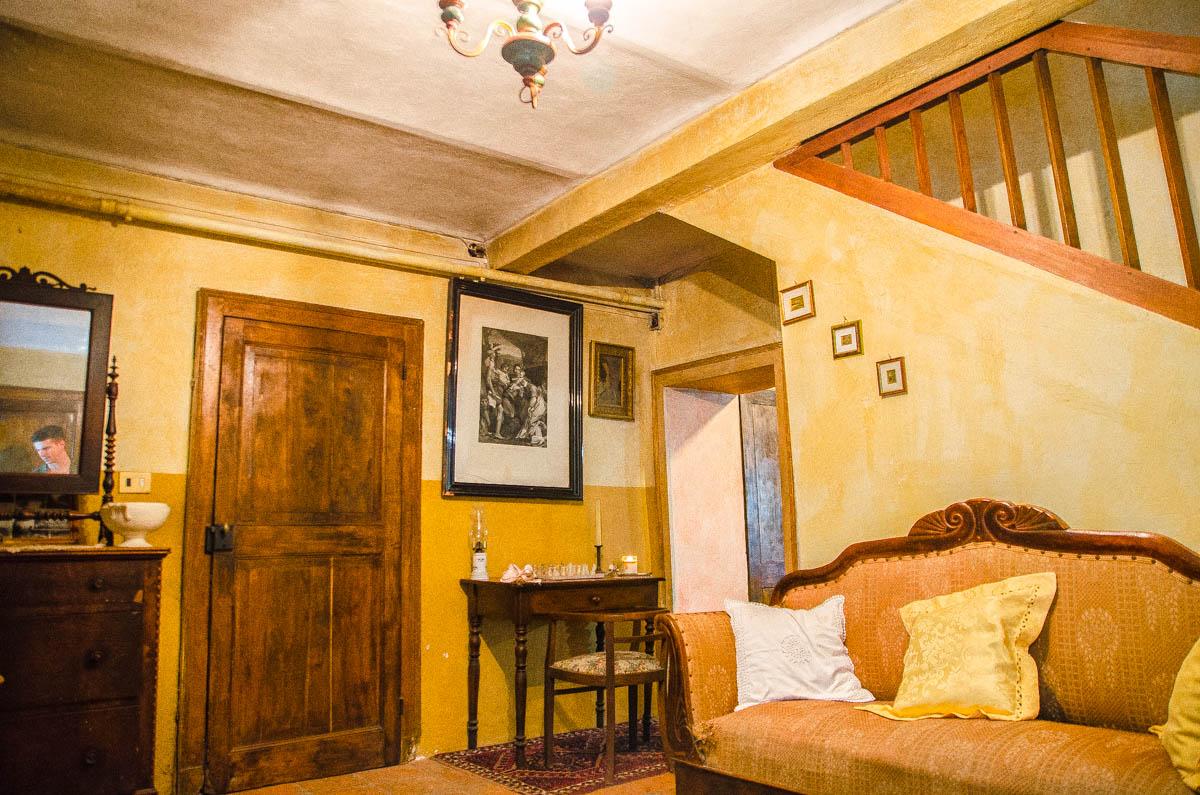 Salotto 2 del rustico in vendita a gassino torinese for Salotto rustico