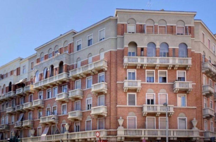 Vendita cinque locali Corso Giulio Cesare 135